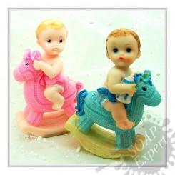 Малыш, младенец на качалке - 3D силиконовая форма для мыла, свечей, шоколада, гипса и пр.