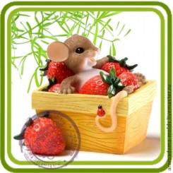 Мышка в клубничной кадке - Объемная силиконовая форма для мыла