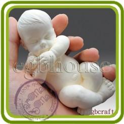 Малыш спит с игрушкой (б+м)  - Объемная силиконовая форма для мыла